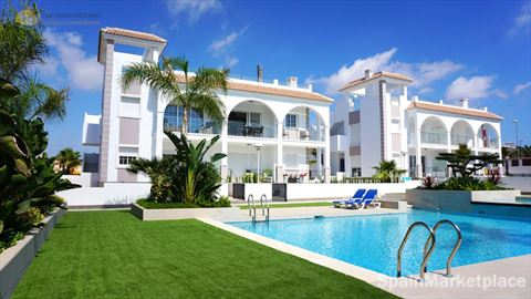 Quesada, apartment complex for sale